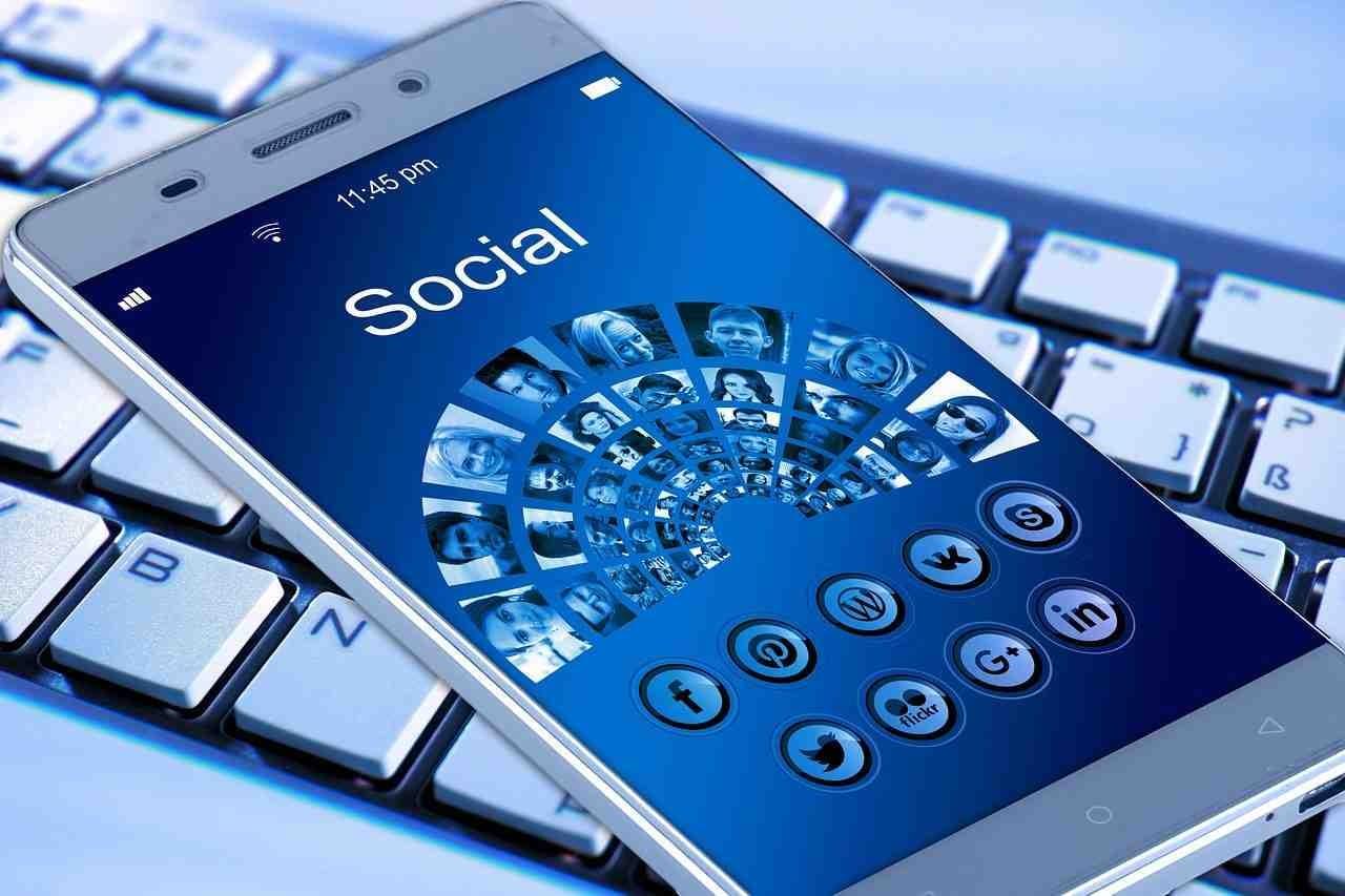 Social Recruiting Services